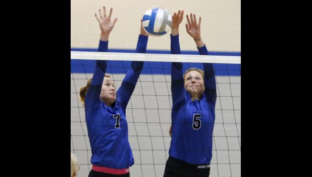 Rachel Middendorf (L) and Taylor Kingston (R) are two of the three senior captains expected to lead the Thunder this season.